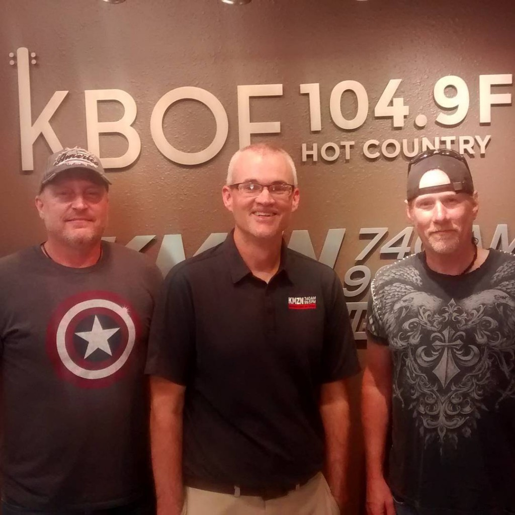 Thanks to AutumnZero for stopping by the KBOE Studios!