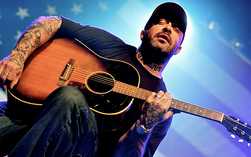 aaron lewis 39 new album has a big debut kboe 104 9fm hot country. Black Bedroom Furniture Sets. Home Design Ideas