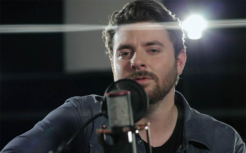 chris young reveals christmas album track listing