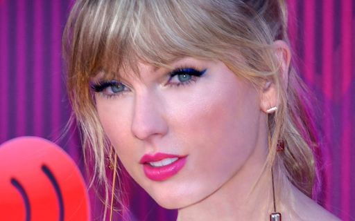Swift pics taylor hot Sexy Taylor